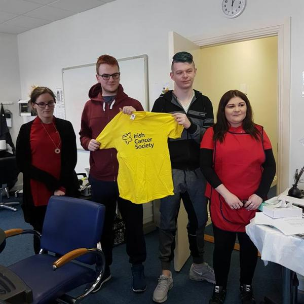 Fundraisers with an Irish Cancer Society t-shirt